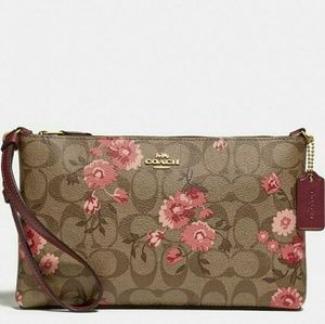 🌹{NEW WITH TAGS}●COACH MINI BAG/ CLUTCH🌹